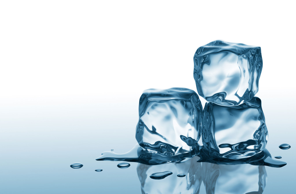 ice-cubes-for-acne-scars