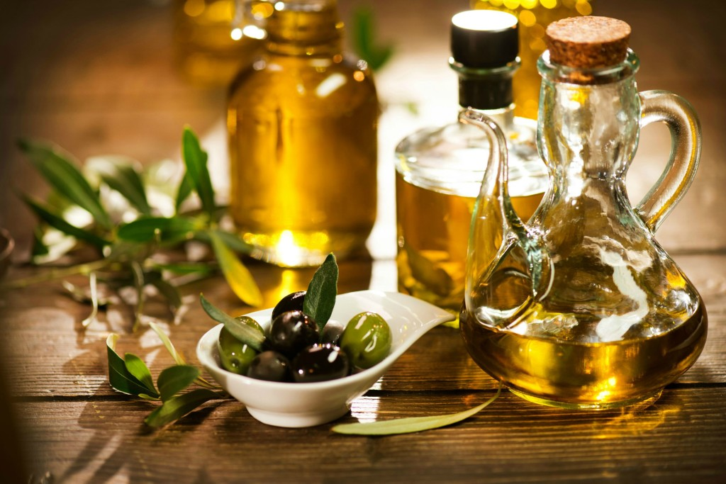 olive-oil-to-get-rid-of-acne-scars