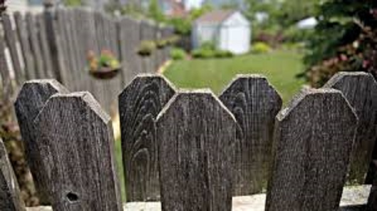 Six Reasons Why You Should Hire A Professional Fencing Company