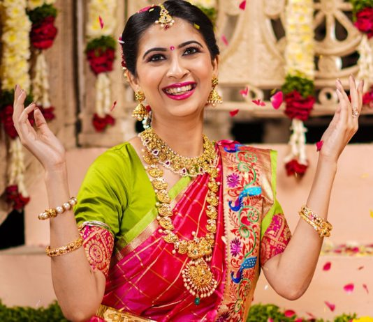 Indian Women Prefer Gold Jewelry