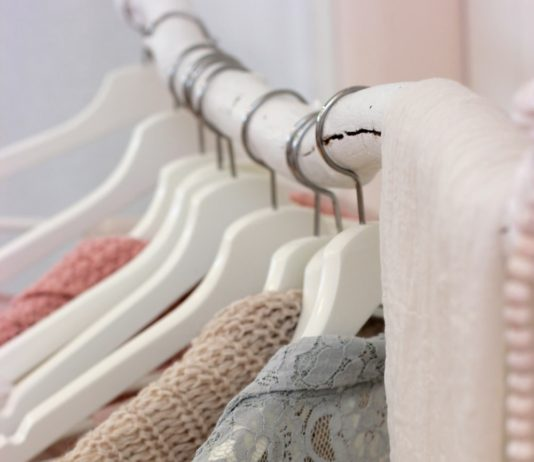 Online Shopping Apps for Buying Clothes Wisely